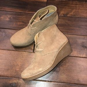 Women's size 7.5 leather lucky brand wedges